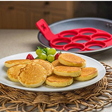 1pcs Nonstick 7-Holes Perfect Pancakes Ring Make Flippin Egg Silicone Mold 7 Eggs One Time Easy Kitchen Tool