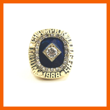 1988 LOS ANGELES DODGERS WORLD SERIES CHAMPIONSHIP RING IN US SIZE 11