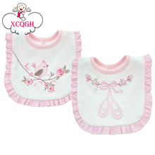 XCQGH Baby Bibs Bandana Burp Cotton Lace Pink and White Baby Girl Bibs Lovely Cute Embroidery Bib Infant Babador Saliva Towels(China)