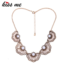 KISS ME Hollow Fan shape Statement Necklace Antique Gold Color Vintage Accessories 2017 Brand Jewelry(China)