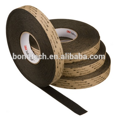 3M Safety Walk 310 slip-resistant Soft surface is suitable for bare feet.Available in Black rolls 1in*18.2M/roll<br>