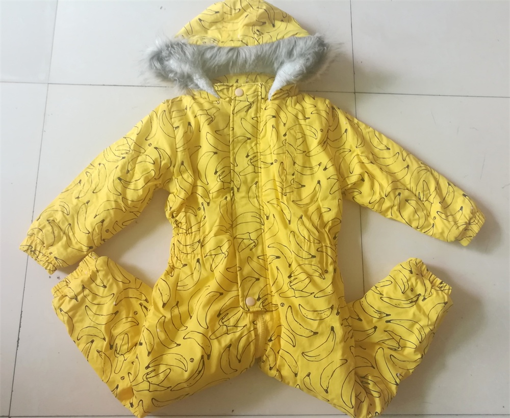 New arrival winter childrens rompers boy girl cartoon banana pattern thicken outwear one pieces baby body suits for 18M-4Age <br>