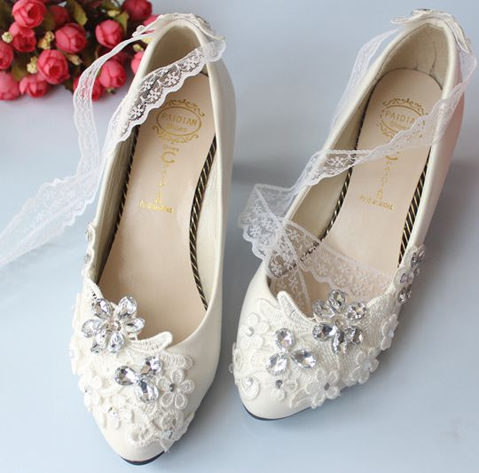 Lace bow butterfly pattern woman wedding shoes white 2017 new,  middle 4.5cm heel  women bridal pumps shoe, party shoe<br>