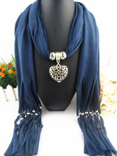 2017 New Arrival Charms Scarf Alloy Hearts Drop Pendant Scarf Jewelry Scarves Necklace Scarf