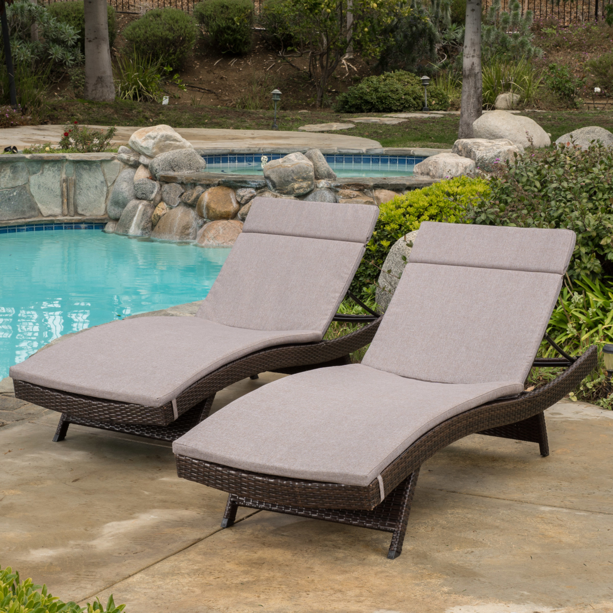 Lakeport Outdoor Adjustable Chaise Lounge Chairs w/ Cushions (set of 2) (3)