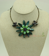 N14112413 green MOP shell crystal FW pearl flower choker necklace