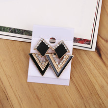 2017 New Arrival Luxury Triangle Crystal Stud Earring For Women Vintage Fashion Earrings Summer Jewelry(China)