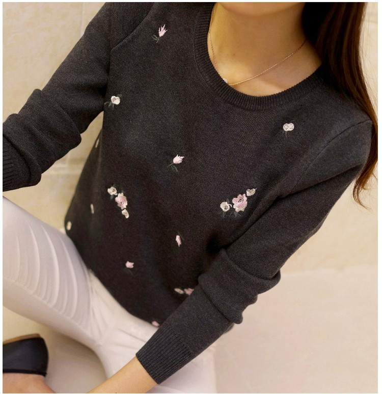 S-3XL New Youth Women's Sweater Autumn Winter 17 Fashion Elegant Peach Embroidery Slim Girl's Knitted Pullover Tops Female 27