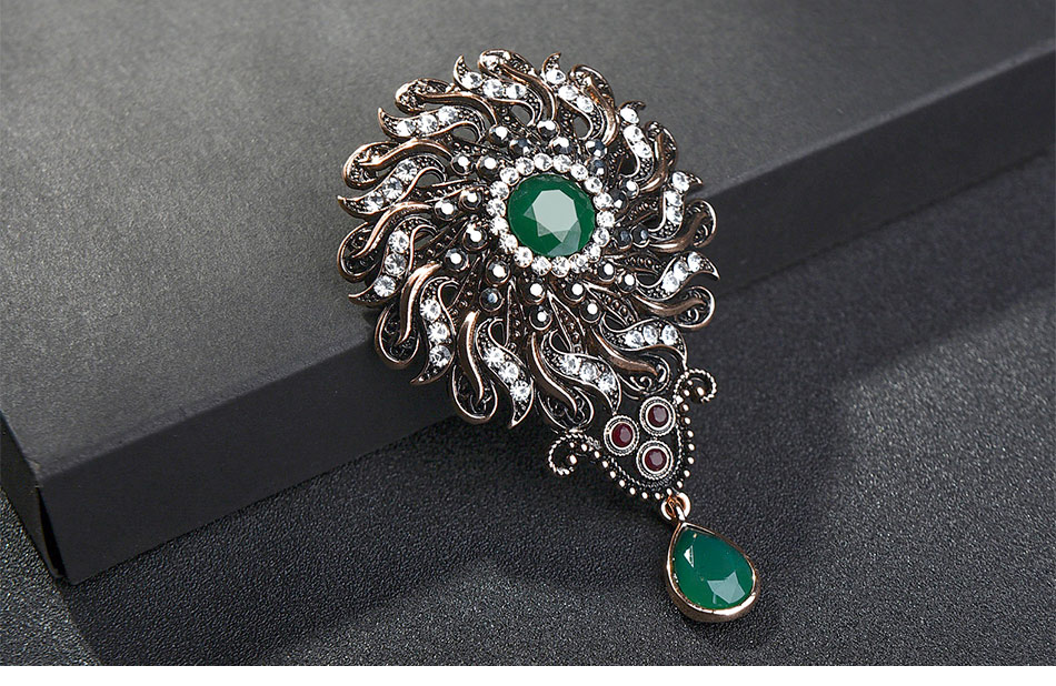 flower-vintage-brooch-statment-green-color-with-pendant_02