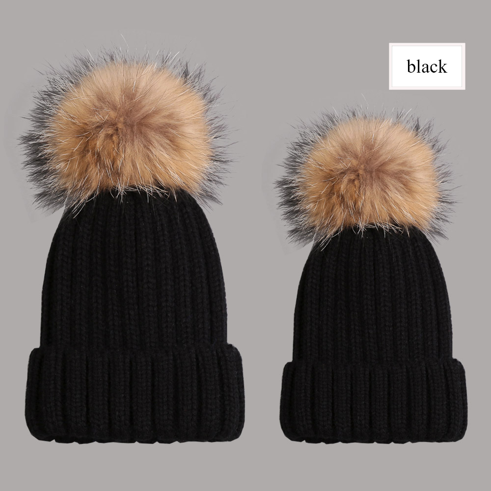 beanies with pompom thick black