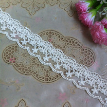 36 meters/Lot DIY handmade lace fabric off white clothes accessories vintage net embroidery decoration 5cm wide lace trim AC350
