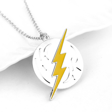 New The Flash And Arrow Pendant Necklace For Men Women Green Yellow Lightning Suoer Hero Logo Neckalce Party Gift For Men