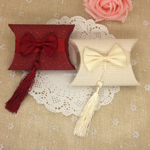1pc Beige And Red Paper Pillow Boxes For Gifts wedding Favors And Gift Bag Tassel wedding Candy Box Gift Box With Bow And Tassel(China)