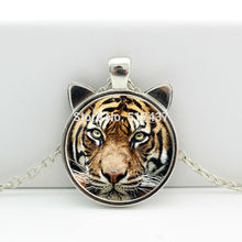 2017 New Tiger Pendant Tiger Necklace Tiger Jewelry Glass Cabochon Necklace Pendant HZ2-00477