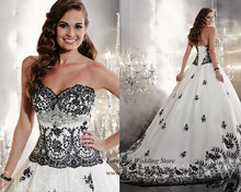 Fancy Brand White and Black Wedding Dresses 2015 Lace Bridal Gowns Ball Gown Corset back Sweep Train Vestidos de Noiva