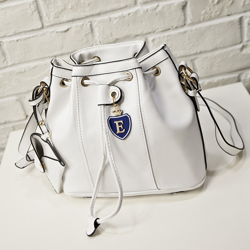 Hanup 2016 Spring Leather Bucket Messenger Bag Small Mini Cute Simple Vintage Feminine Funky Chain Crossbody Handbag Pouch Bag<br><br>Aliexpress