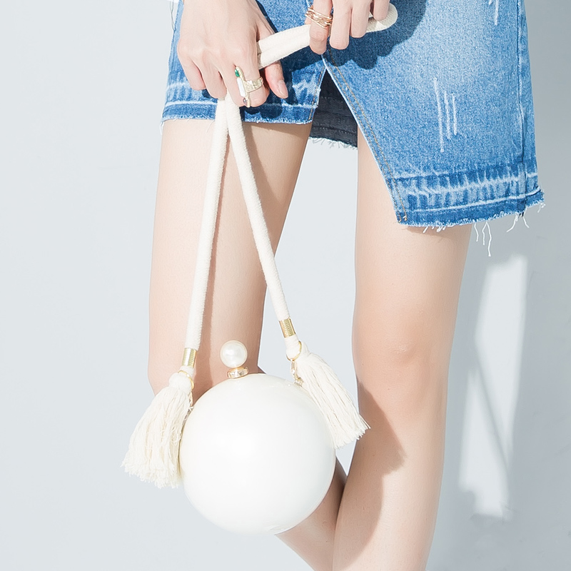 2016  new design personalized fashion white pearl tassels rope round shape shoulder bag ladies mini handbag clutch purse flap<br>
