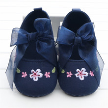 Cute Baby Girl Shoes Sweet Bowknot Embroidered Flower Navy Blue Denim Jeans Toddlers Baby Girls First Walkers Zapatos Para Ninas