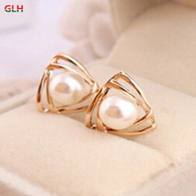 Korean fashion jewelry wild personality female glossy pearl earrings manufacturers wholesale(China)