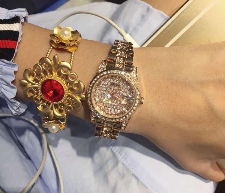 Wrist Watches Quartz-Watch High-Grade Womens Watch Rose Gold Diamond Bracelet With A Calendar Personality Small dial<br><br>Aliexpress