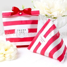 18*13cm 50pcs red tripe paper bag for party wedding Birthday candy sweet Favor Goodie Bags