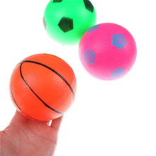 Niño bebé educación temprana pequeño baloncesto fútbol Blow Up juguetes  Aprendizaje de sonar Mini bola juguetes al azar 12 cm 1eafb8d97f390