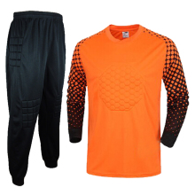 2017 Men's Soccer Goalkeeper Jersey Sponge Protector Suit Football Training Jersey GoalKeeper Jersey Uniforms Sets