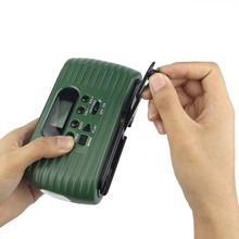 Hand Crank Solar Radio FM/AM Emergency Radio with Cell Phone Charger &Flashlight &MP3 Player FM Radio 10Khz Y4179G Fshow