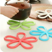 1PCS Flower Shape Cup Mat Silicone Round Table Heat Resistant Mat Coffee Coaster Cushion Placemat Pad(China)