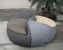 2pcs Grey Fashion Comfortable Outdoor Rattan Daybed For Beach / Pool transport by sea