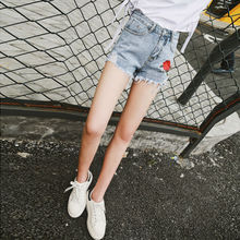 Women Ripped Denim Shorts Jeans with Embroidered Rose 2017 Jeans Femme Summer Jeans Denim Flower Shorts Vintage For Women 6611