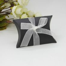 Wedding Gift Boxes 12pcs New Style Kraft Pillow Shape Wedding Favor Gift Box Party Candy Box Wholesales Festive Party Supplies