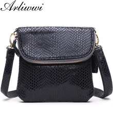 Delicate shiny color 100% genuine leather crossbody bags women's small real cowhide serpentine embossed messenger handbags S2430
