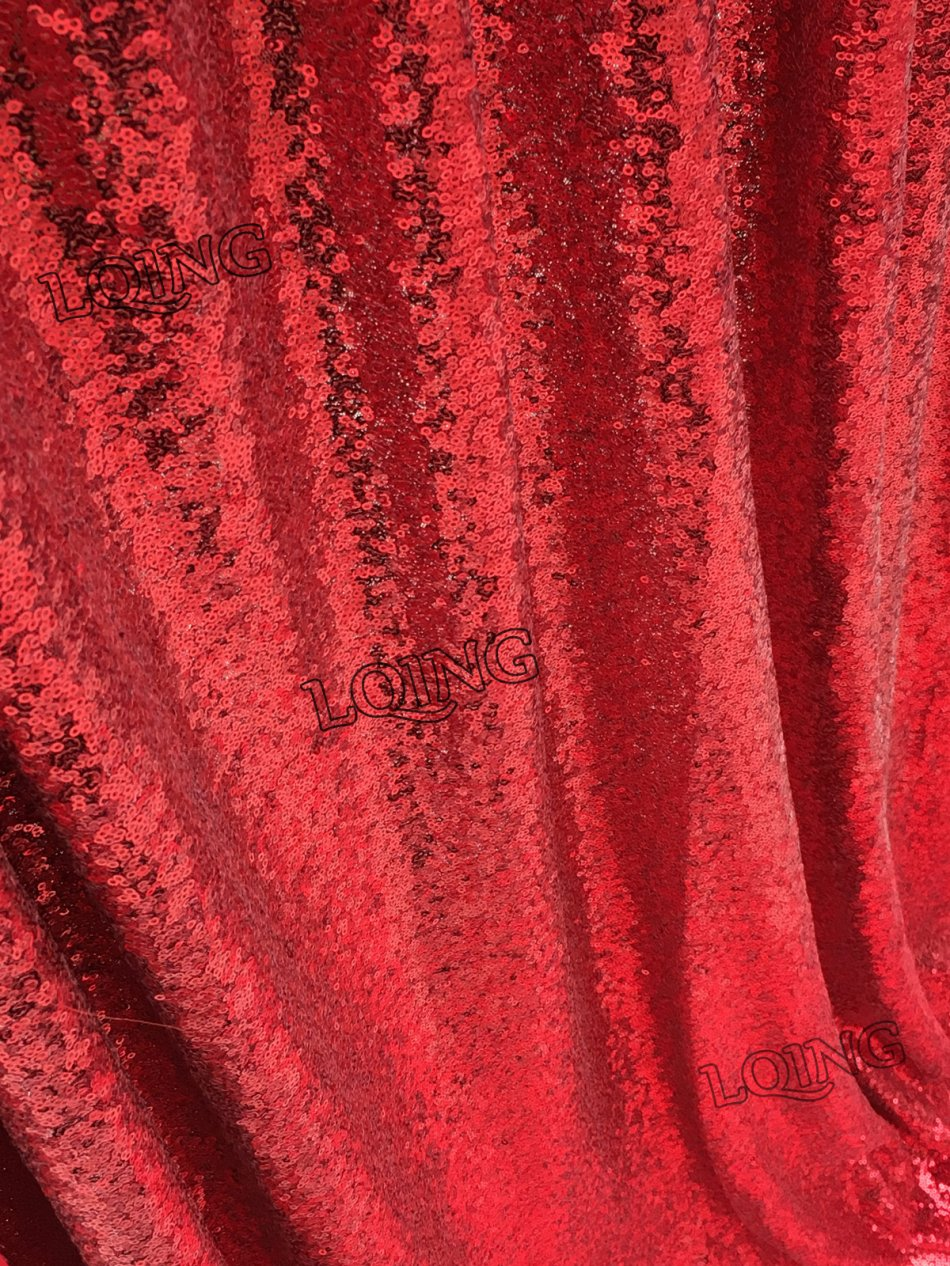 red sequin backdrop-08