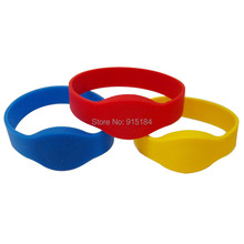 3 pcs/lot 125Khz RFID Wristband Bracelet EM4100/TK4100 Silicone Proximity Smart Card Waterproof Watch Type for Access Control(China)