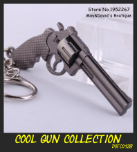 [Cross Fire] Revolver Mini Toy Model Keychain Men's Weapon Accessories Gun Key Ring Alloy Metal Pendant 6cm/ 2.4in Novelty Gift
