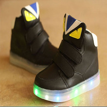 2018 Cool cartoon LED lighting children sneakers high quality hot sales cool girls boys boots casual glitter baby kids shoes(China)
