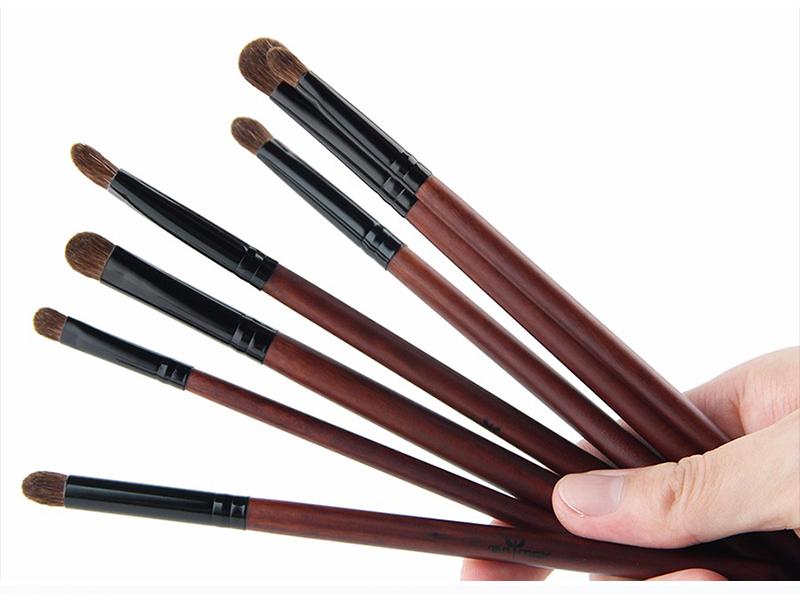 Anmor Acheter 3 Obtenir 1 Cadeau Professionnel Pinceaux de Maquillage Kit Poudre Blush Brosses de Ventilateur avec un cadeau fard à paupières brush set 5