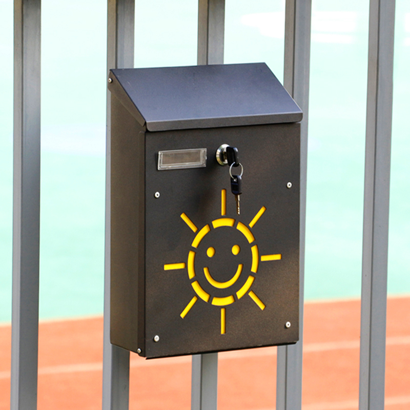 Lockable Smile Sunshine mailbox (3)