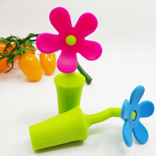 1 Piece Color Random Flower Shape Wine Stopper Silicone Wine Champagne Bottle Stopper For Home Kitchen Bar(China)