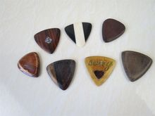 "7Pcs Different Solid wood Guitar Pick,material thickness:0.12"" 3mm#3071"
