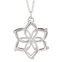 the Elves Galadriel Queen necklace fashion flower silver Color pendant for men and women wholesale