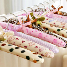 2017 5pcs/1Set Soft Cloth Hanger Sponge Wrapped Clothes Rack Cloth Hangers Hot Sales 2017 Fashion New Free Shipping EN148