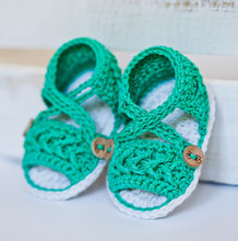 Crochet Baby Sandals Summer baby newborn infant shoes Green and white knit crochet photo prop