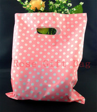 Wholesale 50pcs/bag White Round Dots Pink Plastic Bag 25x35cm Shopping Jewelry Packaging Plastic Gift Bag With Handle