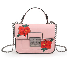 Brand 2017 Designer National Vintage Embroidery Shoulder Bag Handbags Women Floral Pink Totes Small Crossbody Bags Messenger Bag