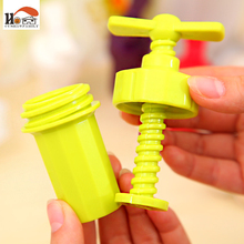 CUSHAWFAILY New Kitchen Ginger Garlic Manual Press Twist Cutter Crusher Cooking Tool Plastic Garlic presses Blenders peeler(China)