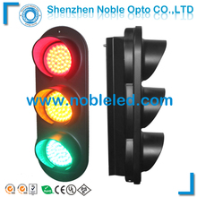 Easy structure new design 4 inch traffic light for road safety