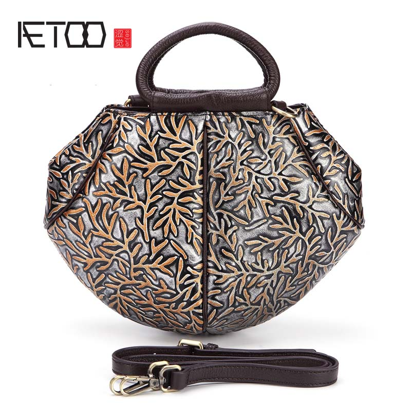 AETOO 2017 new embossed rubbing the first layer of cowhide handbags leather women shoulder bag vintage embroidery flowers bags<br>