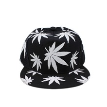 Glow Baseball Cap 2017 New Maple Leaf Pattern In The Dark Luminous Hip-Hop Hat Fashion Street Style Black Snapback Cap(China)